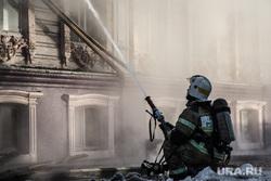 Пожар памятника архитектуры по ул. Семакова 8. Тюмень, пожар, тушение пожара, пожарные, мчс