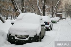 Снег. Тюмень, машины в снегу