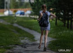 Город летом. Сургут, школьница, жертва, насилие, педофилия, бег, подросток убегает