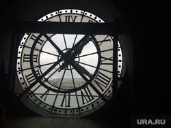 Париж, часы