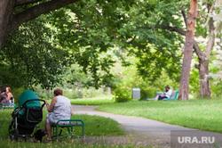 Виды Екатеринбурга, коляска, парк, ребенок, бабушка, дети