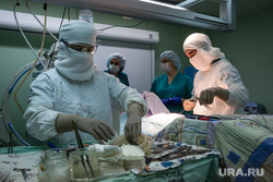 Операция на позвоночнике в Сургутской клинической травматологической больнице. Сургут, операция, хирург, медицина, доктор, врач