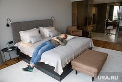 Отель «Резиденция» при Ельцин Центре. Екатеринбург, спальная, кровать, покоева александра, спальня