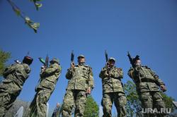 Украина. Славянск. 26.04.2014, солдаты, автоматчики, военные