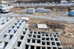 Долгострой Тартаковского, возле Детского мира. Челябинск, бетонные блоки, стройка