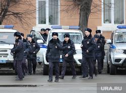 Развод гарнизонов. Курган, полиция, машина полиции