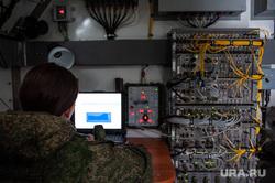 Выполнение работ на радиорелейной станции в военном городке №32. Екатеринбург, военнослужащий, радиорелейная станция, военная связь