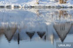 Природа в челябинском городском бору. Челябинск, отражение, река миасс , отражения в воде