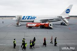 Первый полёт самолета «Виктор Черномырдин» (Boeing-767) авиакомпании Utair из аэропорта Сургут , utair, экипаж, заправка самолета, ютэир, самолет, боинг 767