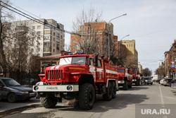 Пожар в историческом здании по ул. Дзержинского 34. Тюмень, пожар, пожарные расчеты
