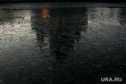 Виды Кремля с Патриаршего моста. Москва, храм, лед на реке, ххс, отражение в реке