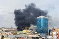 Пожар на стройплощадке главного объекта саммитов ШОС и БРИКС. Челябинск, дым, пожар