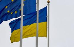 Украина. Петр Порошенко. Военные, флаг украины, флаг евросоюза