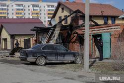 Улица Амурская, дом 118. Тюмень, разрушенный дом, автомобиль, улица амурская 118