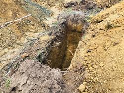 Кладбище в Озерске. Челябинская область, Озерск, яма, могила