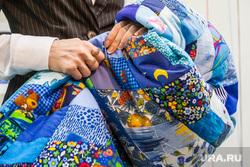 Паралимпийской чемпионке подарили лоскутное одеяло. 1.04.2014. Тюмень, боско, bosco, одеяло