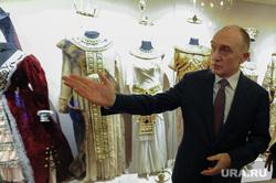 Борис Дубровский открыл год театра. Челябинск, дубровский борис, выставка театрального костюма