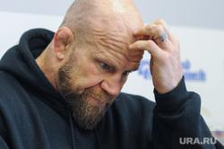 Пресс-конференция Джеффа Монсона на шестой день после операции по замене тазобедренного сустава в одной из больниц Миасса. Челябинск, монсон джефф