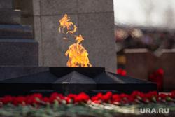 Празднование 9 мая. Сургут, вечный огонь