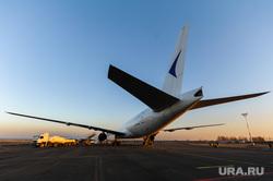 Боинг-777 в Челябинском аэропорту. Челябинск, боинг-777-200