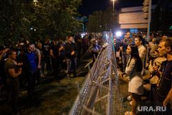 Ночной протест против строительства  храма святой Екатерины в сквере около драмтеатра. Екатеринбург, протест, сквер на драме, храм на драме