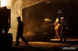 Цех проката широкой балки Нижнетагильского металлургического комбината. Нижний Тагил, металлургия, промышленное предприятие, рабочие в цехе, металлурги