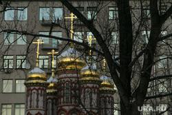 Виды Кремля с Патриаршего моста. Москва, храм, недвижимость, новостройка, купола, дерево, архитектура