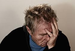 Открытая лицензия от 22.07.2016, пенсионер, старик, уныние, страдание