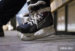 Хоккеист Павел Деменьшин. Екатеринбург, коньки, хоккей