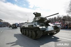 День победы. Ханты-Мансийск, т-34, парад победы