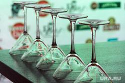 Городской этап World Cocktail Competition 2018. Магнитогорск, стол, коктейль, стекло, бокалы, подсветка