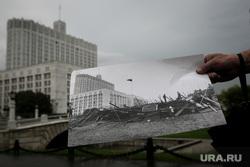25-ая годовщина ГКЧП, Белый дом. Москва, фотография, баррикады, защитники белого дома, дом правительства рф, 19 августа 1991 года