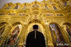 Визит патриарха Кирилла в Храм святой мученицы Татианы. Когалым , священник, алтарь, вера, религия, православие