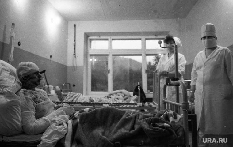 Фото с места железнодорожной катастрофы под Ашой в 1989 году, из архива челябинского фотографа Александра Чуносова. Челябинск