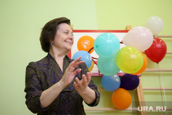 Визит кандидата в губернаторы Тюменской области Александра Моора. Нижневартовск, портрет, воздушные шарики, комарова наталья