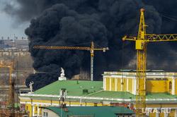 Пожар на стройплощадке главного объекта саммитов ШОС и БРИКС. Челябинск, дым, пожар, подъемные краны