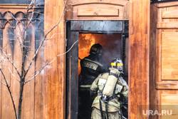 Пожар в историческом здании по ул. Дзержинского 34. Тюмень, пожар, пожарные