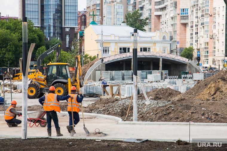 Строительная площадка нового музыкального фонтана на городской эспланаде. Пермь