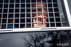 Марш в поддержку Ивана Голунова. Москва, автозак, решетка, задержанный