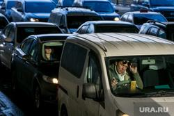 Пробки в городе. Москва, машины, пробки, трафик, автомобили, правый руль, автотранспорт