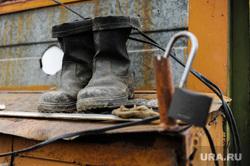 Рабочий объезд Борисом Дубровским объектов строящихся к саммитам ШОС и БРИКС. Челябинск, сапоги, стройка, рабочая обувь
