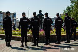 Митинг приуроченный к двадцатой годовщине трагической гибели мэра Нефтеюганска Владимира Петухова, полиция, бюст петухову