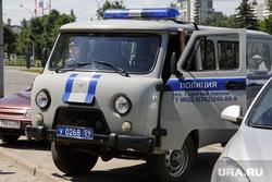 Акция против контактных зоопарков. Пермь, полицейская машина, полиция