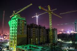 Иллюстрации, разное, долгострой, телебашня, строительный кран, строительство, недостроенная телевышка, ночь, подсветка, недостроенная башня, стройка