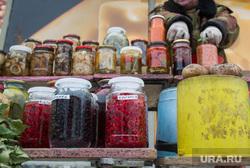 Вывоз киосков с улицы Ракетная, 2. Екатеринбург, еда, ягоды, предприниматель, уличная торговля, продукты питания, малый бизнес, минирынок