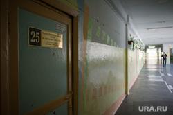 Поездка Дениса Паслера в Талицу, учебный класс, коридор, школьный коридор, школа, начальная школа
