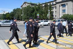 Центр Екатеринбурга перед приездом Владимира Путина, ургу, пешеходный переход, урфу, охрана порядка