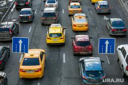 Пробки в городе. Москва, машины, пробка, такси, автомобильное движение, трафик, яндекс такси, автомобили, автотранспорт, ситимобил