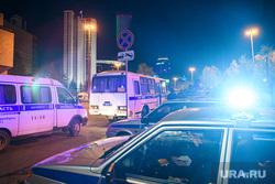 Второй день протестов против строительства храма Св. Екатерины в сквере около драмтеатра. Екатеринбург, беспорядки, полиция, октябрьская площадь