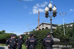 Центр Екатеринбурга перед приездом Владимира Путина, ургу, аллея, фонарный столб, лето, полиция, урфу, охрана порядка